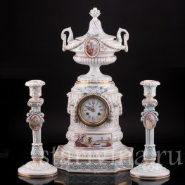 Фарфоровые часы с вазоном и подсвечниками, Majorelle Nancy, Франция, 19 в