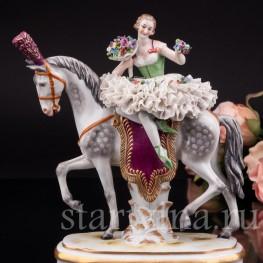 Антикварная статуэтка девушки Наездница, кружевная, Muller & Co, Германия, нач. 20 в.